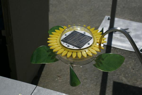 Bezprzewodowe zasilanie dzięki panelom słonecznym