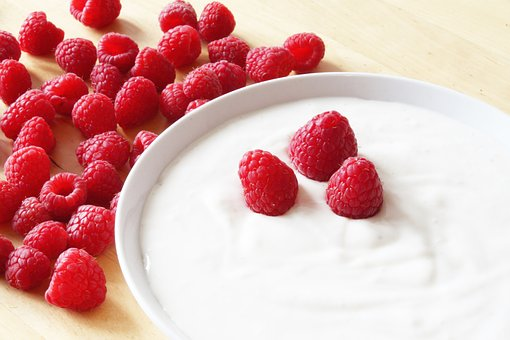 Domowe jogurty są lepsze od sklepowych
