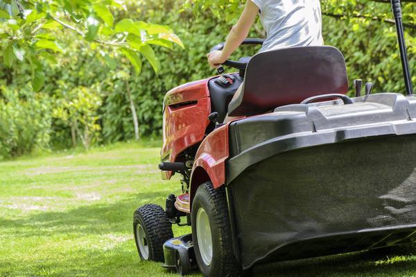 Traktorek do koszenia – idealny prezent dla męża