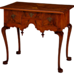 Ciekawy mebel – konsola z drewna