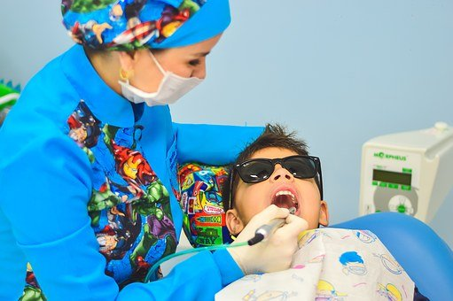 Doświadczony dentysta dla dzieci w Rzeszowie